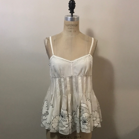 Dkny Tops - DKNY Ivory Black Embroidered Camisole Top